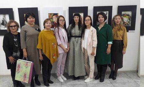 Персональная выставка сестер Алины и Милены Лаптевых «С миру по нитке»